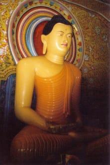 Buddah, im Tempel Aluthepola - Aluthepola Tempel