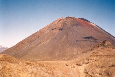 Mt. Ngauruhoa - Turangi & Tongariro Crossing im Tongariro National Park