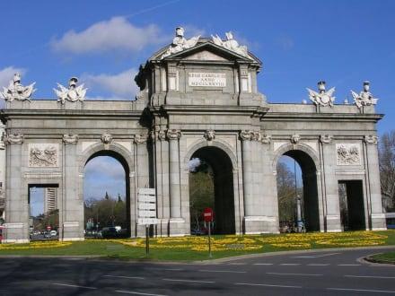 Triumphbogen - Puerta de Alcalá -  Triumphbogen