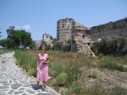 Stadtmauer - Theodosianische Mauer