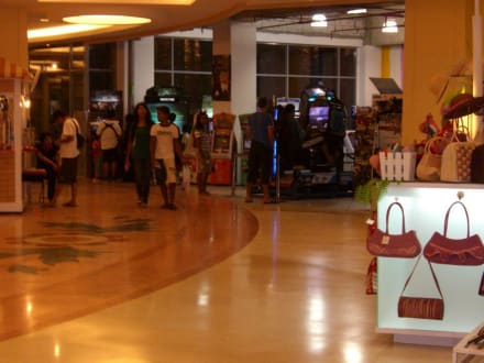 Zeitvertreibt für Mann Und Frau - Jungceylon Shopping Complex