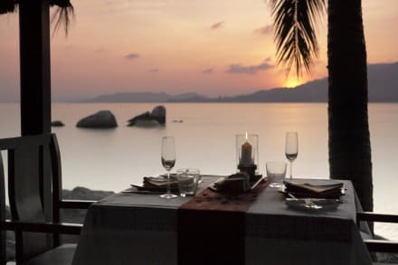 Romantic Dining on the Beach -