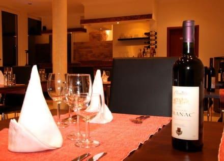 Restaurant & Buffet - Hotel Petriti