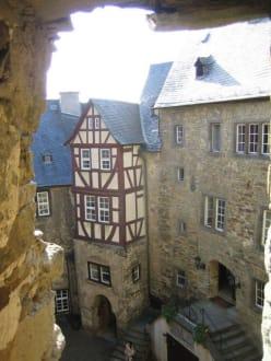 Blick auf den zweiten Innenhof. - Burg Runkel