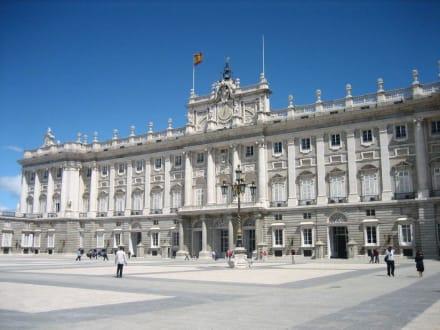 Hof des Palastes (Plaza de Armas) - Palacio Real