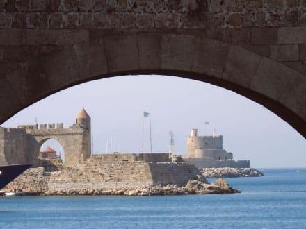 Unterbrückenbild - Hafen Rhodos