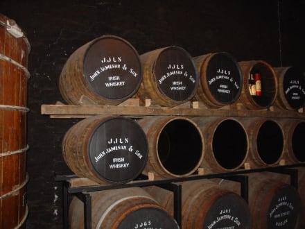 Lagerung - Jameson Heritage Centre