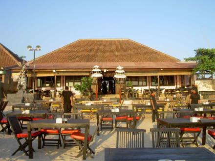 Außenansicht Jimbaran Bay Seafood Restaurant - Jimbaran Bay Seafood (JBS)