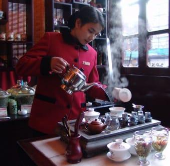 Chinesische Teezeremonie - Hu Xin Ting Teehaus