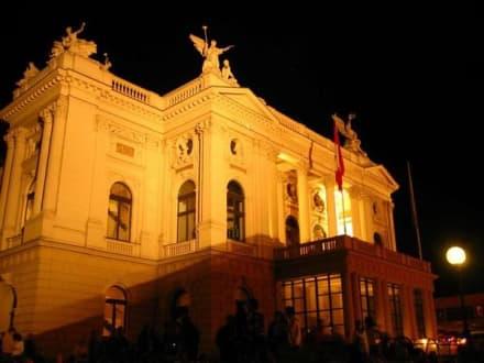 Theaterhaus in Zürich - Opernhaus Zürich