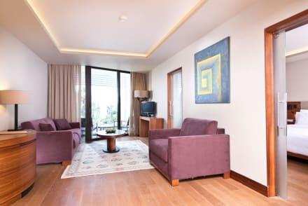 Land View Suite -