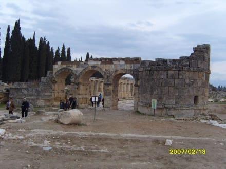 Das Domitian Tor! - Hierapolis