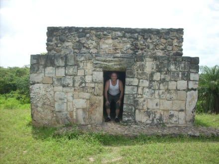 Sehr Eng - Ruine Ek Balam