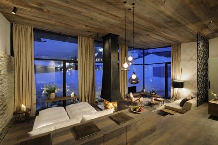 Blaue stunde in der gartensuite bild designhotel for Designhotel wiesergut