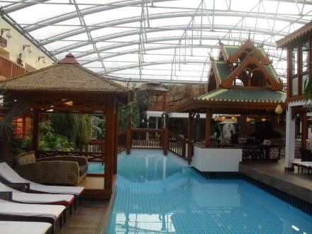 pool bild b der park hotel sieben welten therme spa resort in fulda hessen deutschland. Black Bedroom Furniture Sets. Home Design Ideas
