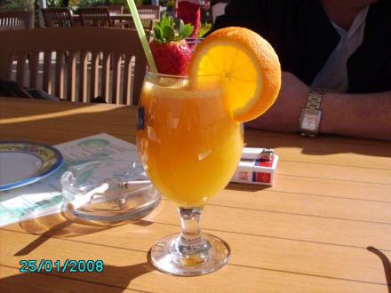 Cup frisch gepresster O-Saft - Strandrestaurant Süße Ecke Bianca & Nafi (existiert nicht mehr)