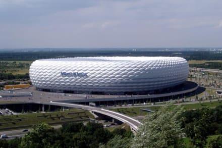 Allianz Arena am Nachmittag - Allianz-Arena