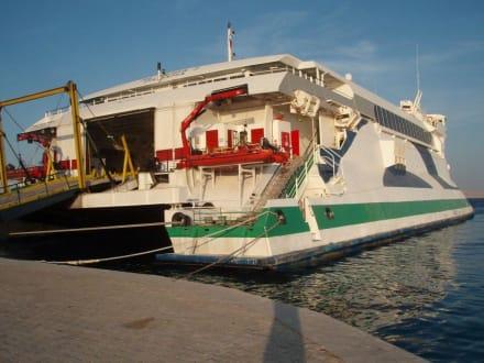 Fähre nach Saudi Arabien - Yachthafen Hurghada