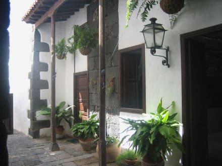 Weg zum Innenhof - Palacio de Spínola