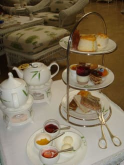 Teatime in der Authors Lounge - Oriental Hotel