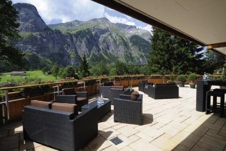 Terrasse - Waldhotel Doldenhorn & Ruedihus