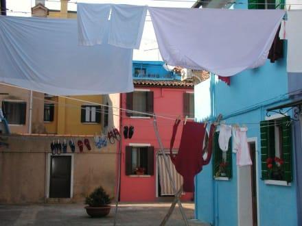 Gasse mit Wäsche - Insel Burano