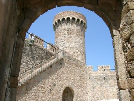 In der Festungsanlage von Tossa - Burg