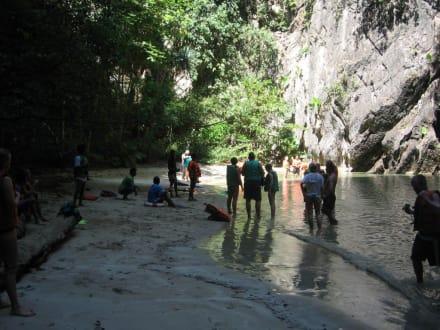 Dunkle Höhle ist durchschwommen! - Morakot Cave
