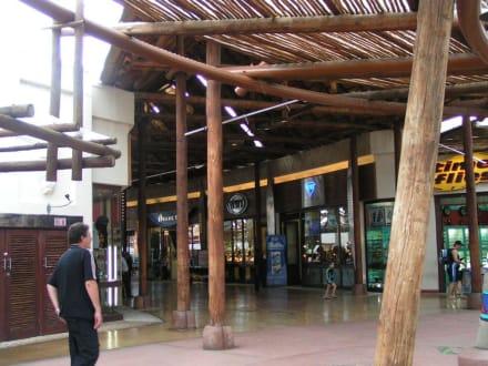 Einkaufszentrum Sharka - Ushaka