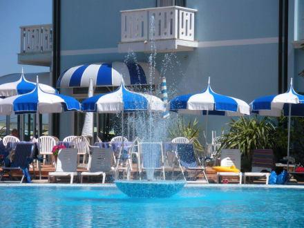 Quot Springbrunnen Des Swimmingpools Quot Bild Hotel Principe In