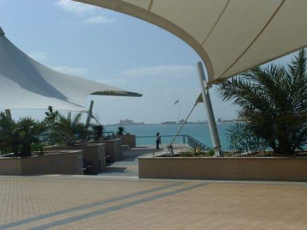 An der Corniche - Uferpromenade Corniche