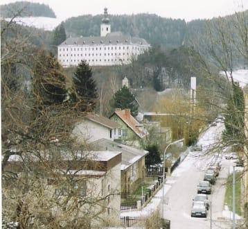 Blick auf Schloss Gloggnitz - Schloss Gloggnitz