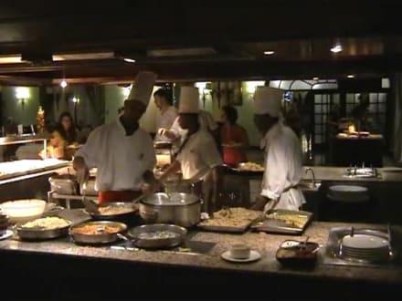 Köche bei der arbeit clubhotel riu bambu