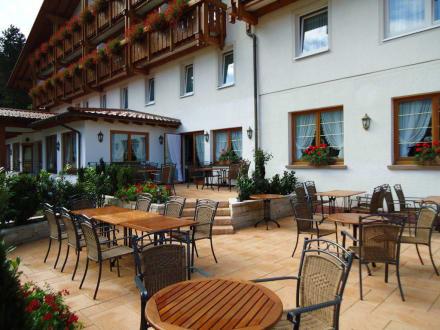 Neue große Außenterrasse - Hotel Sonne Baiersbronn