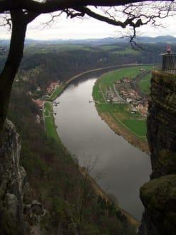 Ausblick von der Bastei auf die Elbe - Elbe