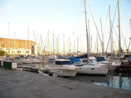 Hafen von Puerto de Mogan  im Sonnenuntergang - Hafen Puerto de Mogán