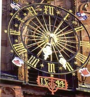 Uhr an der Stiftskirche von 1670 - Stiftskirche