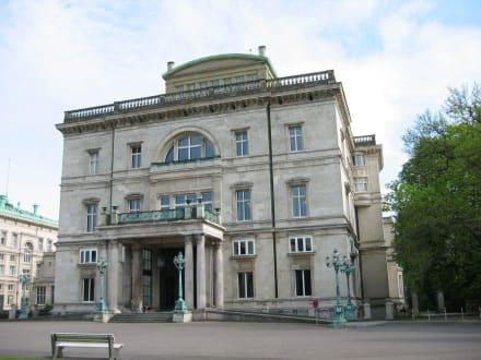 Haupthaus - Villa Hügel