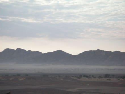 Morgennebel in den Dünen - Dünen Sossusvlei