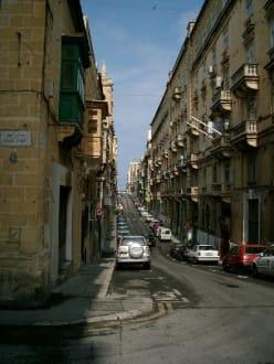 Steile Gasse in Valletta - Altstadt Valletta
