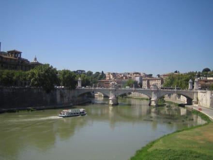 Blick über den Tiber - Tiber Fluss