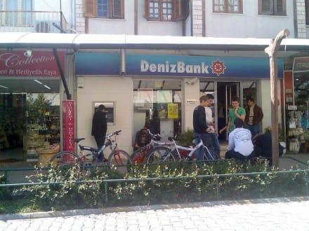 Deniz Bank (Geld Automat) - Markt