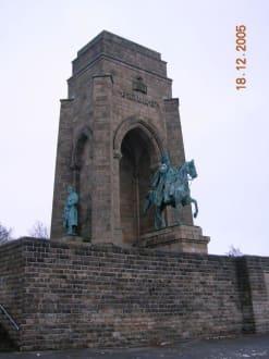 Kaiser Wilhelm Denkmal - Kaiser Wilhelm Denkmal