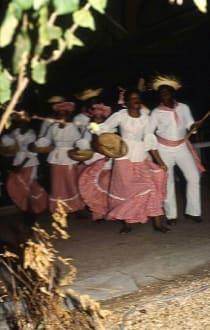 Einheimische Folklore-Gruppe im Resort - Folklore-Tanz