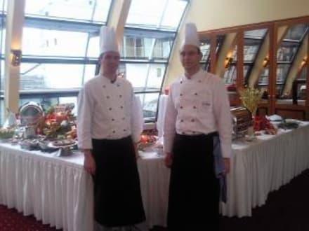 Köche - Restaurant Elbkuppel (Hotel Hafen Hamburg)