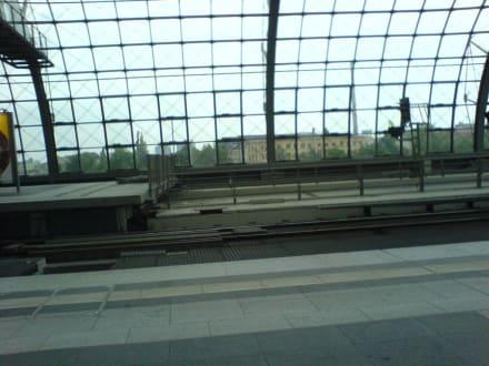 Berliner Hauptbahnhof - Berlin Hauptbahnhof