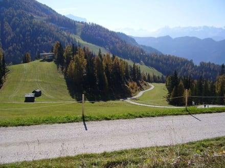Etwas oberhalb des Furkelpasses - Wandern St. Vigil in Enneberg