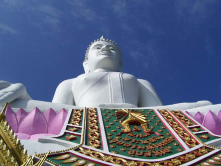 Sehr Gross - Weisser Buddha