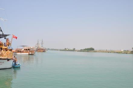Anlegestege für Mittagspause - Bootstour Calypso Colakli