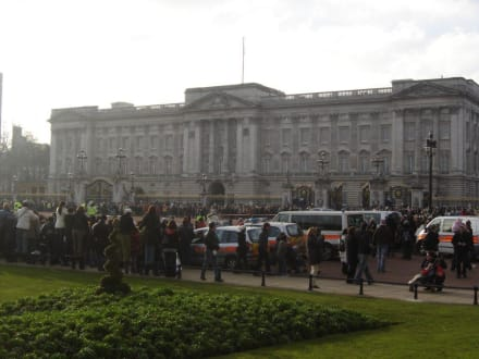 Palace - Buckingham Palace